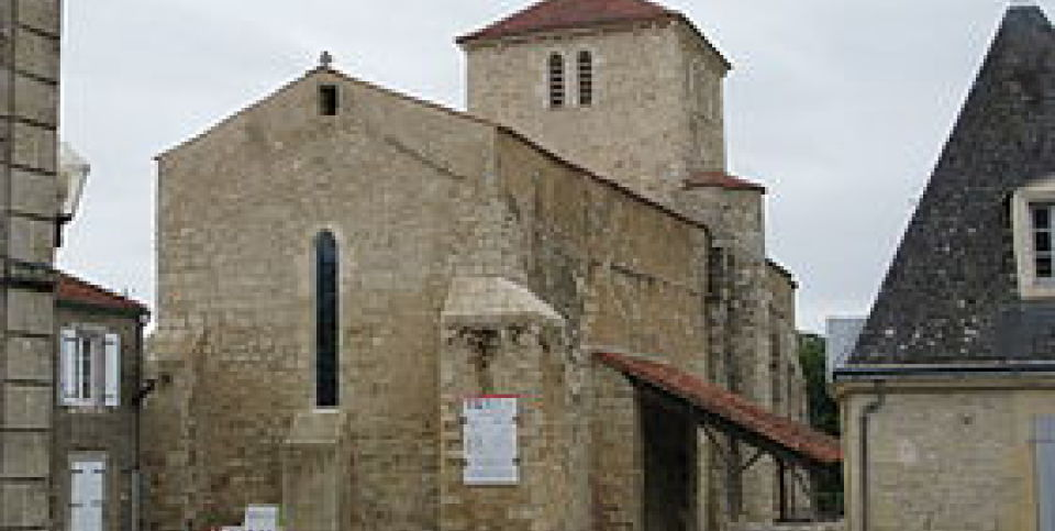 EGLISE ST MARTIN LARS ( source Wikipedia )